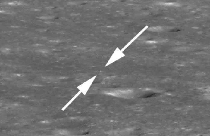 Uno sguardo ravvinato a una foto di Chang'e 4 sulla Luna