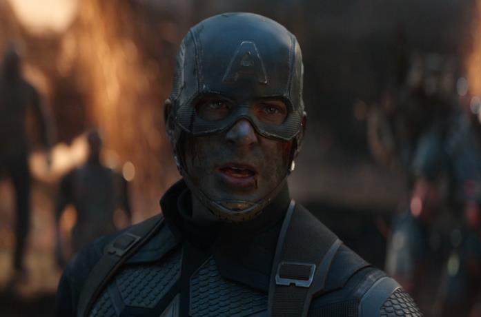 Primo piano di Captain America (Chirs Evans) in una scena di Avengers: Endgame