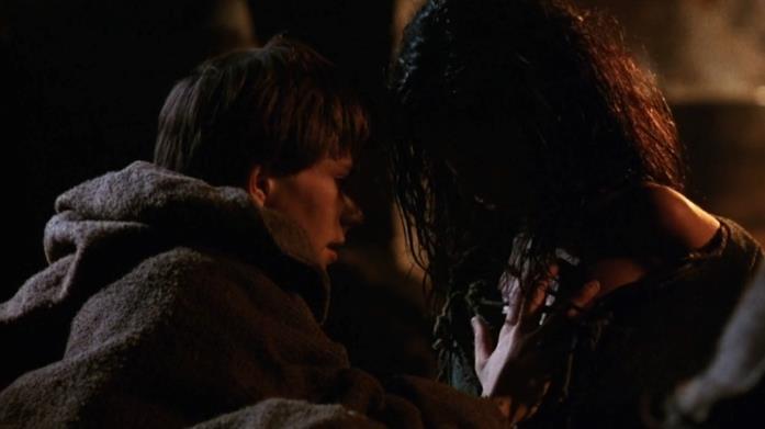 Una scena di Adso e la ragazza ne Il nome della rosa