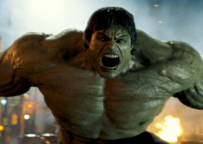 Bruce Banner si trasforma in Hulk in The Avengers