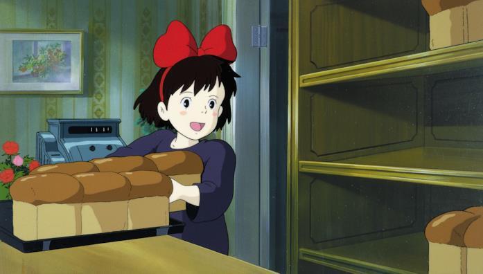 Kiki durante il suo lavoro in panetteria