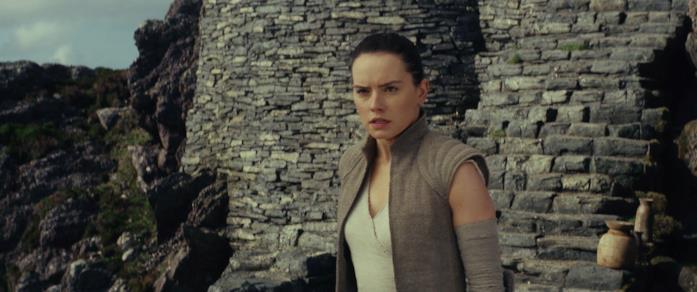 Daisy Ridley nei panni di Rey in Star Wars: Gli ultimi Jedi