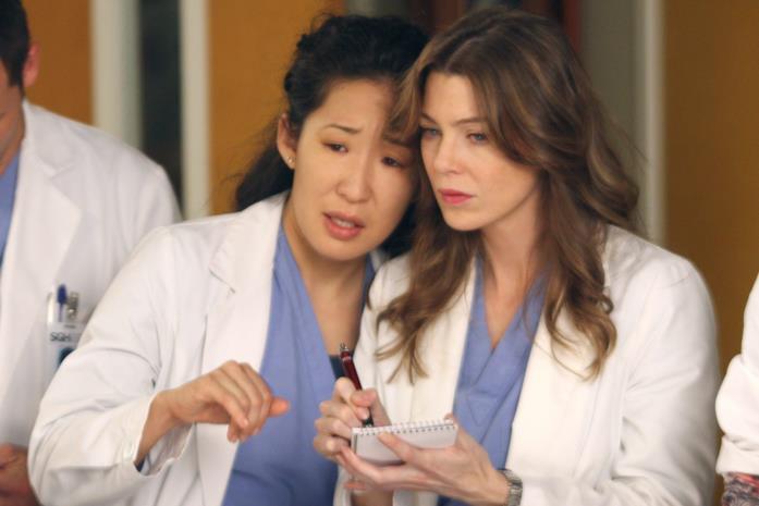 Cristina e Meredith in una scena di Grey's Anatomy