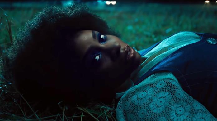 Primo piano di Monica Rambeau nel trailer di WandaVision
