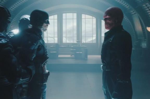 Steve Rogers e Teschio Rosso faccia a faccia in Captain America - Il primo vendicatore