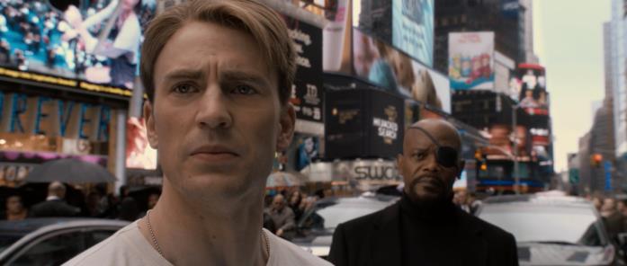 Chris Evans in una scena finale del primo Captain America
