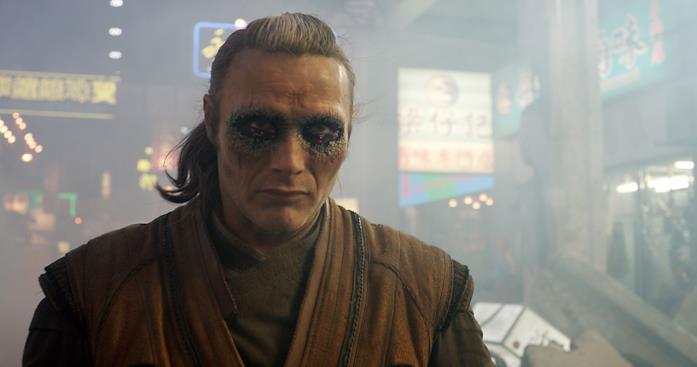 Mads Mikkelsen interpreta Kaecilius, nemico di Strange