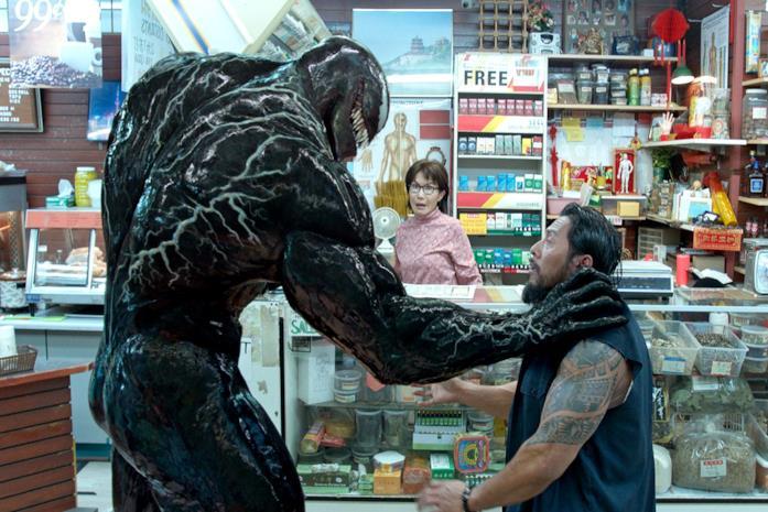 Una scena del film Venom