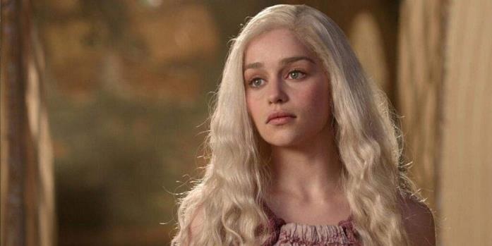 Emilia Clarke nei panni di Daenerys Targaryen