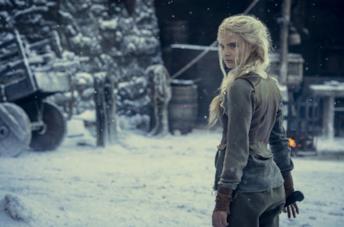 Freya Allan è Ciri nella prima immagine dalla seconda stagione di The Witcher