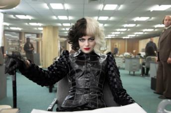 Emma Stone è Crudelia De Mon nel live-action sulla cattiva de La carica dei cento e uno