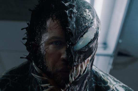 Tom Hardy in una scena di Venom
