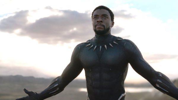Chadwick Boseman è Re T'Challa in Black Panther