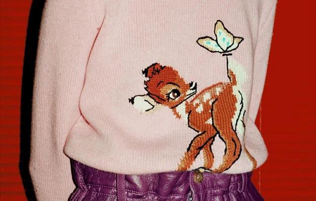 Il maglione Disney x Miu Miu di Bambi