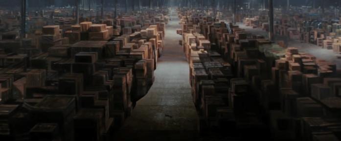 Un magazzino pieno di scatole