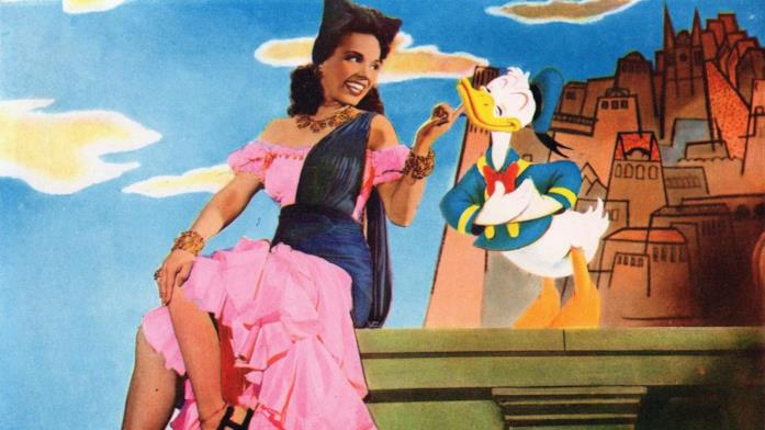 Paperino si lascia ammaliare dalla ballerina Aurora Miranda