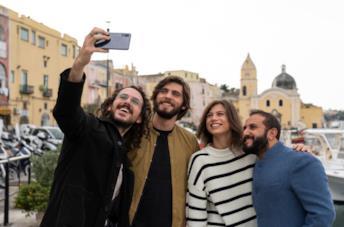 Generazione 56K: cosa sapere della serie italiana Netflix con The Jackal