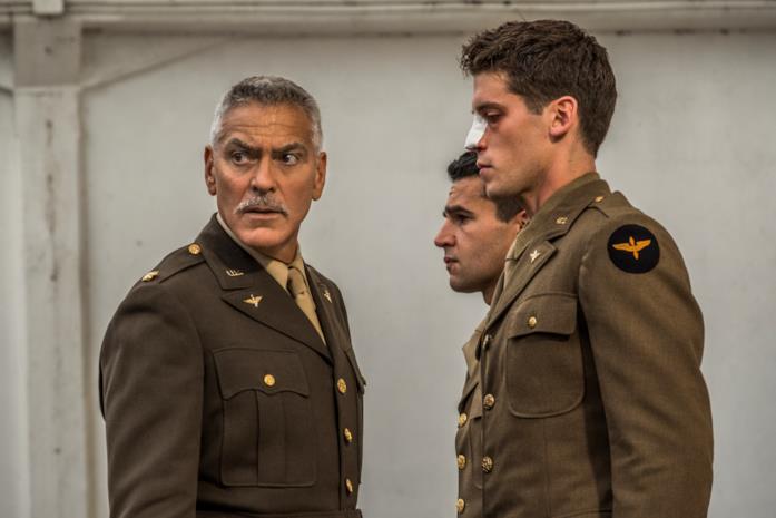Catch-22: una scena con George Clooney