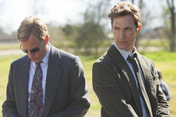 Matthew McConaughey e Woody Harrelson in True Detective