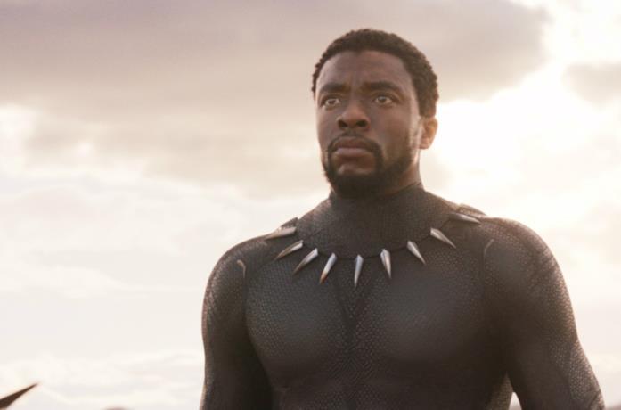 Chadwick Boseman è T'Challa in Black Panther