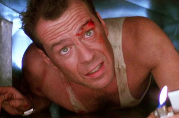 Bruce Willis in una scena di Trappola di cristallo