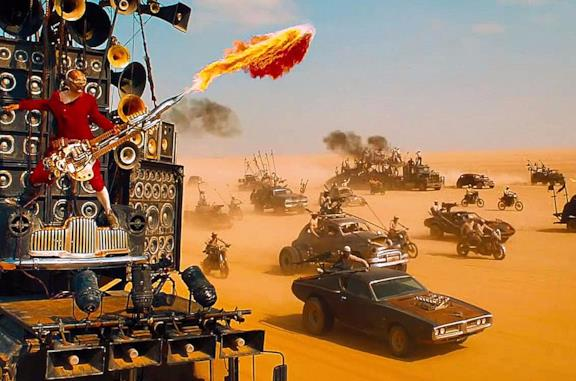 Doof Warrior nel primo inseguimento di Mad Max: Fury Road