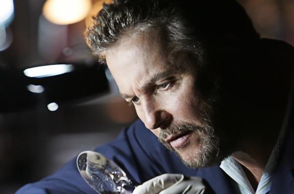 CSI - Scena del crimine avrà una serie sequel con Gil Grissom e Sara Sidle: cosa sappiamo (finora)
