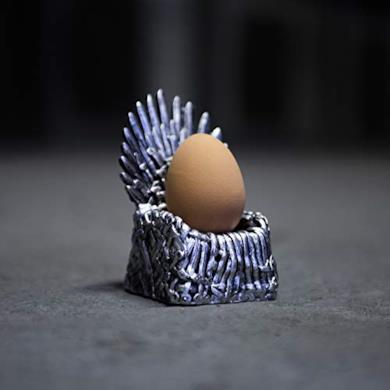 Portauovo a forma di trono in miniatura