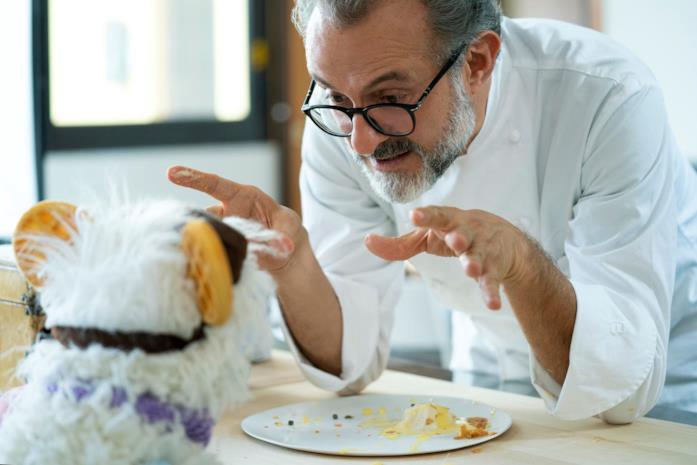 Una scena della serie Waffles + Mochi con lo chef Bottura