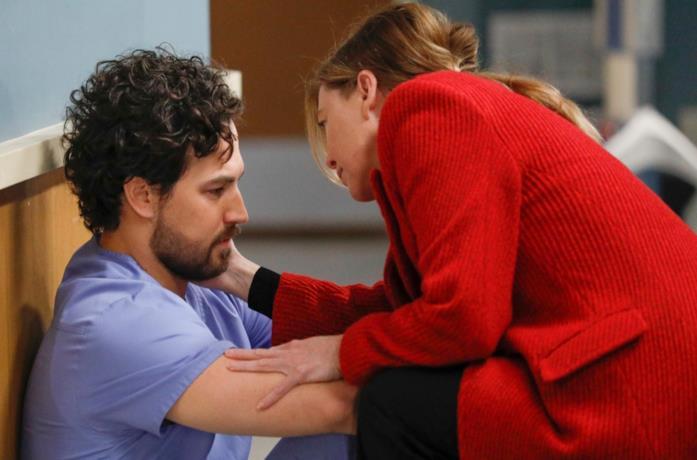DeLuca e Meredith in una scena dal finale di stagione