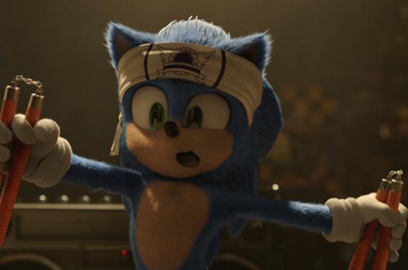 Sonic si esercita col karate