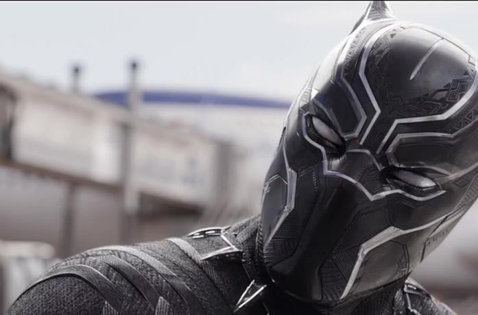 Un primo piano di Black Panther