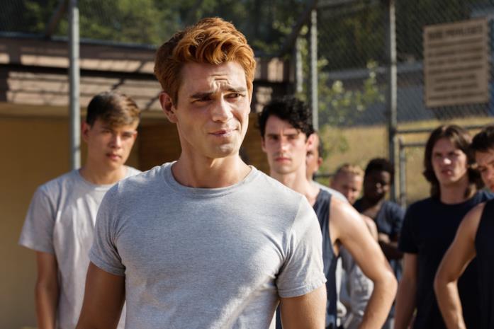 La trasmissione della quarta serie di Riverdale è ferma
