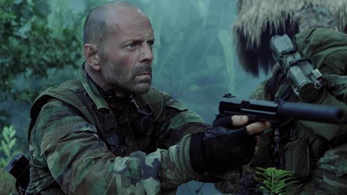 Bruce Willis in una scena de L'ultima alba