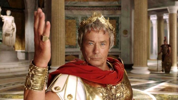 Alain Delon nel ruolo di Cesare