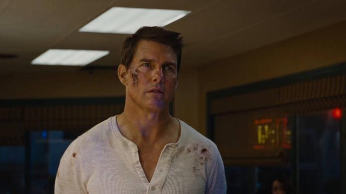 Tom Cruise nella scena iniziale di Jack Reacher 2: Punto di non ritorno