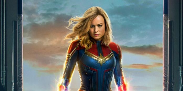 Un primo piano di Brie Larson come Captain Marvel nel poster del film