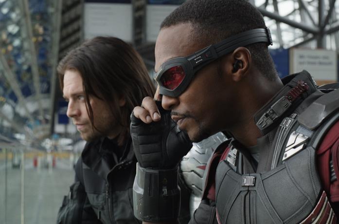 Gli attori Anthony Mackie e Sebastian Stan nei panni di Falcon e Winter Soldier