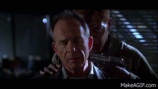 Samuel L. Jackson e Kevin Spacey nel finale del film