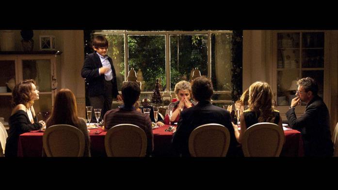 Scena cena di Una famiglia perfetta
