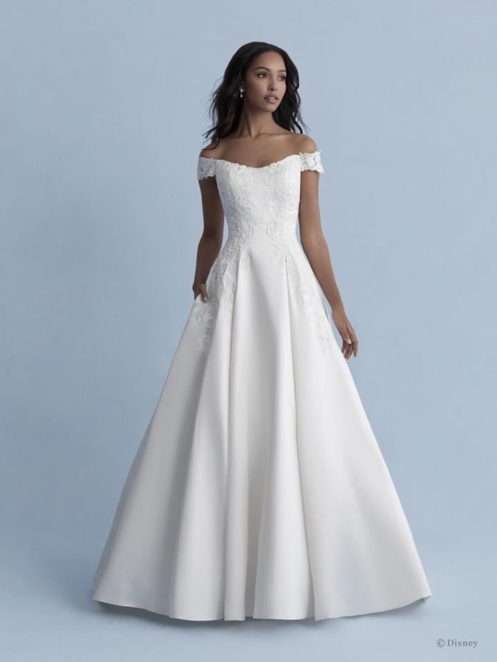 Abito da sposa Allure Bridals dedicato a Belle