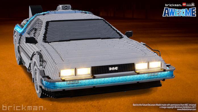 Dettagli della parte anteriore del modello di auto DeLorean di LEGO