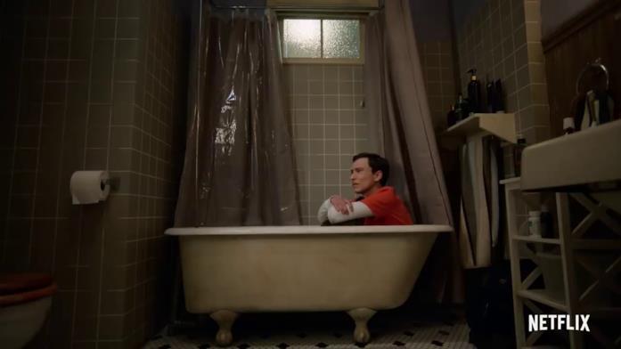 Lo sconforto di Sam in una scena tratta dal trailer di Atypical 4