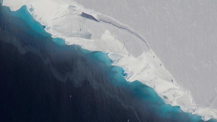Una foto dall'alto del ghiacciaio Thwaites in Antartide