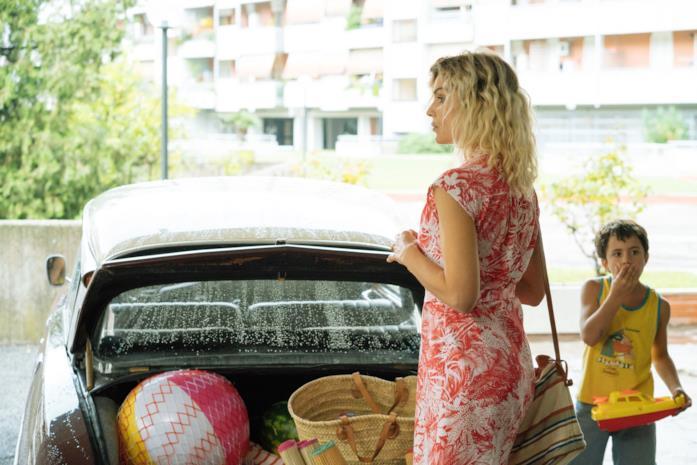 Micaela Ramazzotti e Federico Ielapi in una scena del film Maledetta primavera