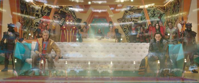 Il Gran Maestro e Loki guardano l'arena di Thor: Ragnarok