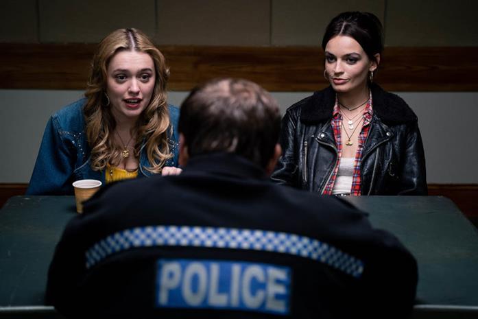 Maeve e Aimee in una scena di Sex Education 2