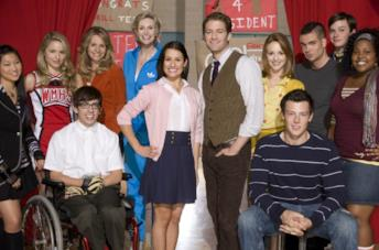 Primo piano del cast di Glee
