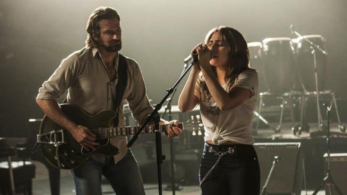 Lady Gaga e Bradley Cooper in A Star is Born