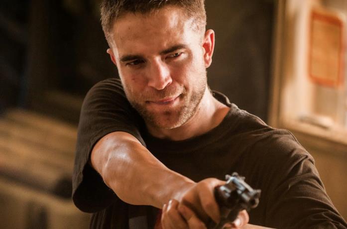 Robert Pattinson nei panni di Reynolds in The Rover